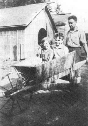 Rosemary, Bill and F.H. Sonny Coulthard