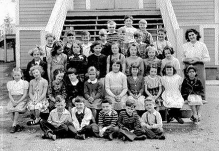 Strawberry Hill 1951, grades 1 and 2