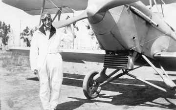 Harry Parr with the Eagle Rock aircraft