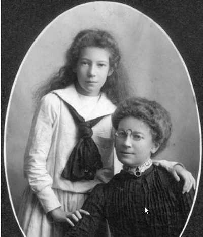 Marjorie Collishaw and her mother(seated)