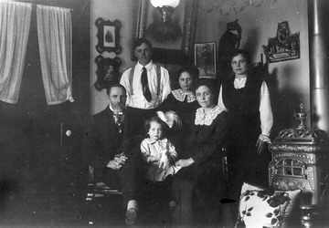Woodward Family at home